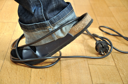 kabelgewirr ade sockelleiste mit kabelkanal leisten outlet. Black Bedroom Furniture Sets. Home Design Ideas